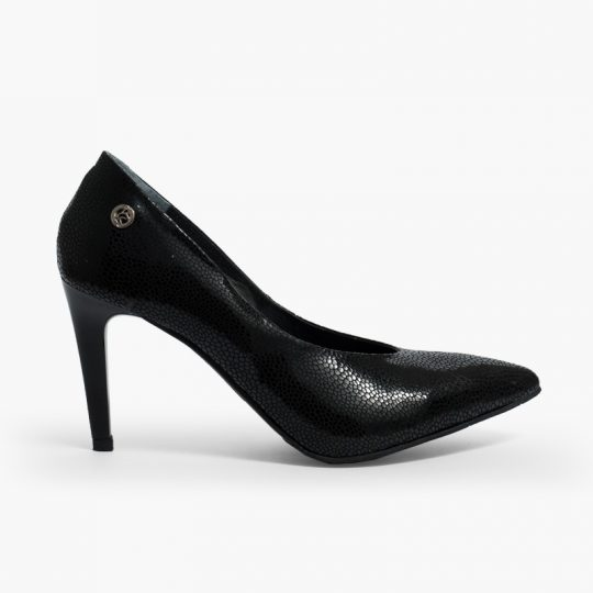Zapato salón elaborado en cuero
